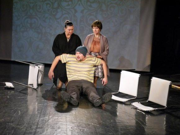 Черкаський драмтеатр: анонси вистав на наступний тиждень