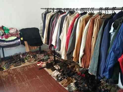 Керівництво благодійного фонду продавало в секонд-хендах Черкас та Кіровограду гуманітарний одяг, який мали роздавати
