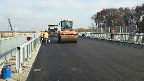 У Христинівському районі завершується ремонт шляхопроводу на трасі М-12, - САД